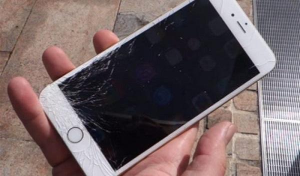 Mơ thấy điện thoại bị hỏng