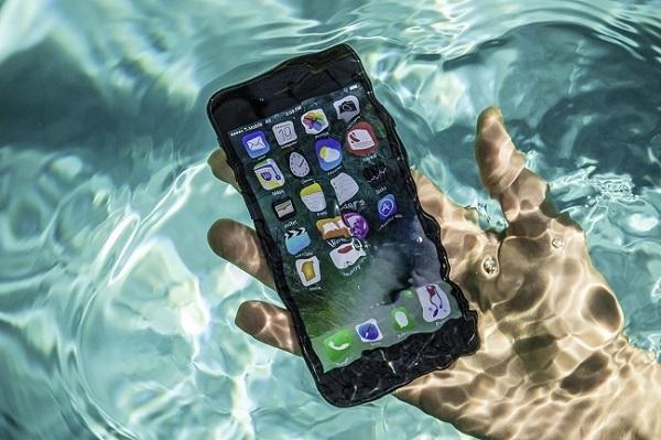 Điện thoại bị ướt