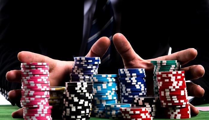 Chơi poker online trên Kucasino rất tiện lợi