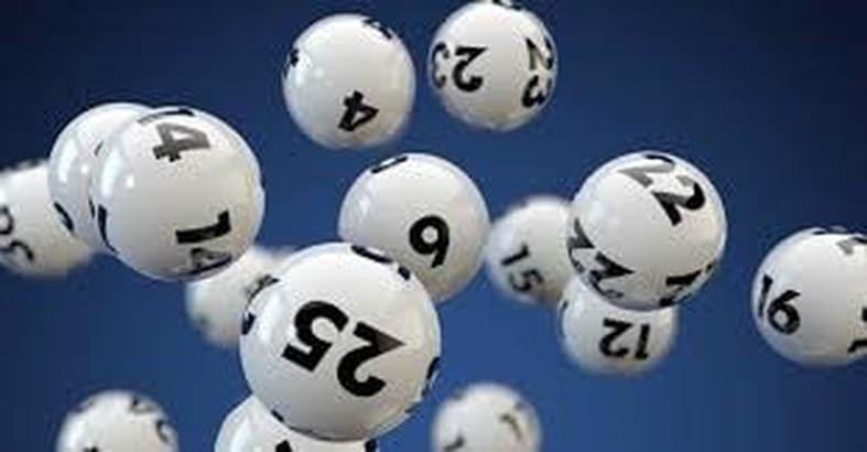 Nằm mơ thấy đi thi đánh con số may mắn nào?