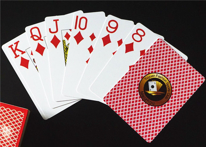 Trong số tất cả các loại thẻ, thẻ nhựa mặt là rất phổ biến