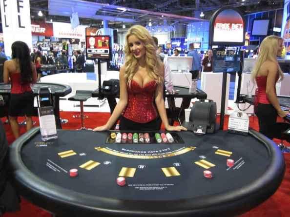 Chơi blackjack sòng bạc trực tuyến