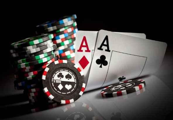 Cách chơi poker trong cờ bạc casino trực tuyến