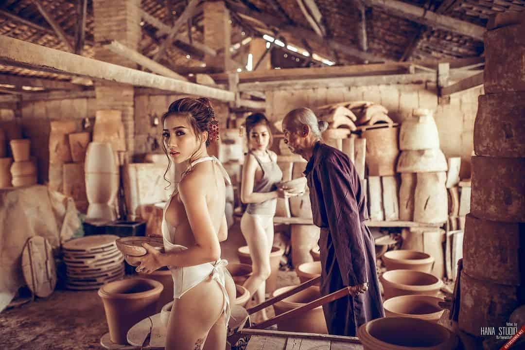 Ông già và hai Thôn nữ thợ lò