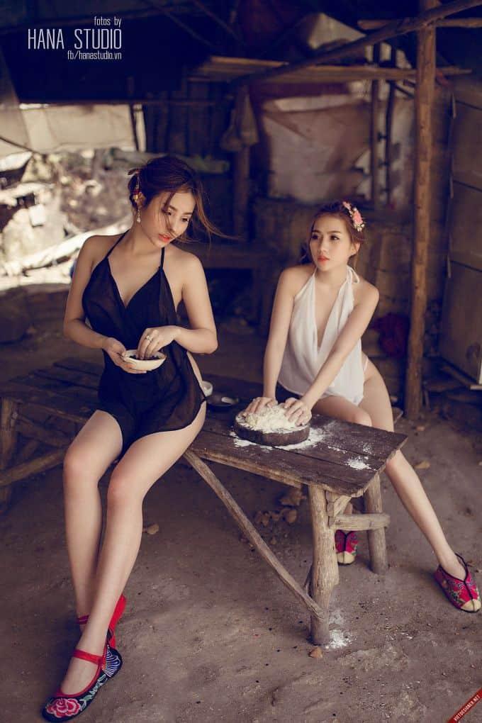 Hai Thôn nữ lò gốm duyên dáng