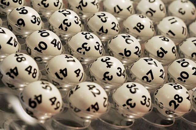 Xổ số dựa trên các quả bóng giải nhì