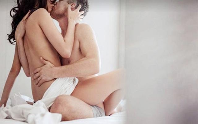 Nằm mơ thấy phụ nữ khỏa thân làm tình