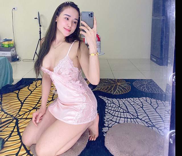 emily nguyen goi tinh - Emily Nguyễn gợi tình hết nấc khi mặc dầm ngủ phi bóng 2 dây