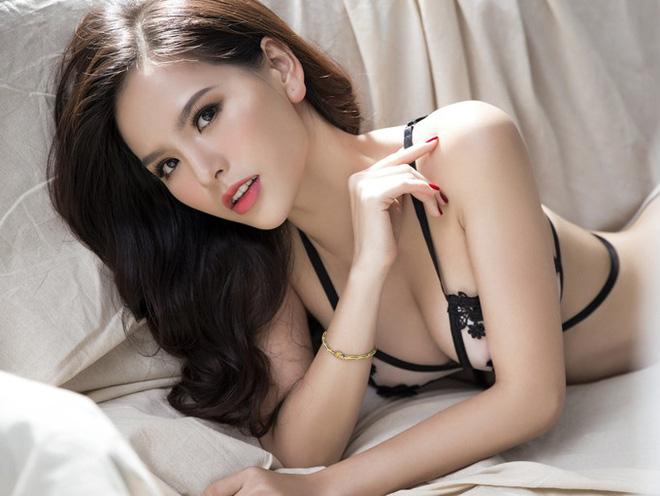 Anh Hot Girl Phi Huyen Trang Diện Bikini