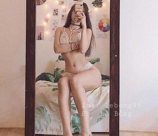 le bong mac bikini khoe duong cong nuot na