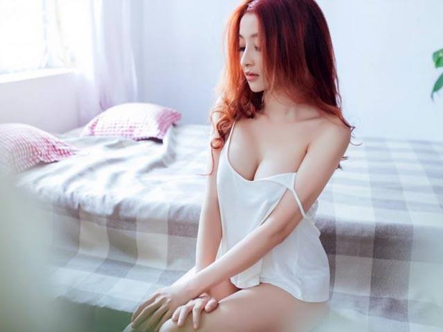 kim le anh nong - Bộ ngực nổi bật đầy gợi cảm khiến nhiều người chú ý