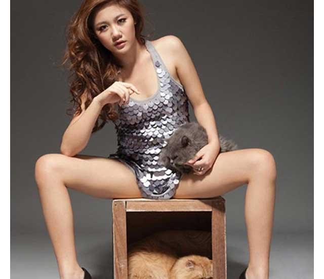 nude van mai huong - Suýt lộ hàng với trang phục quá ngắn