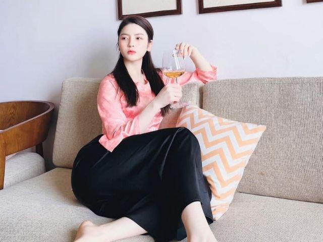 bạn gái tin đồn của Quang Hải <span class='marker'>sở hữu</span> vẻ <span class='marker'>không tính</span> xinh đẹp