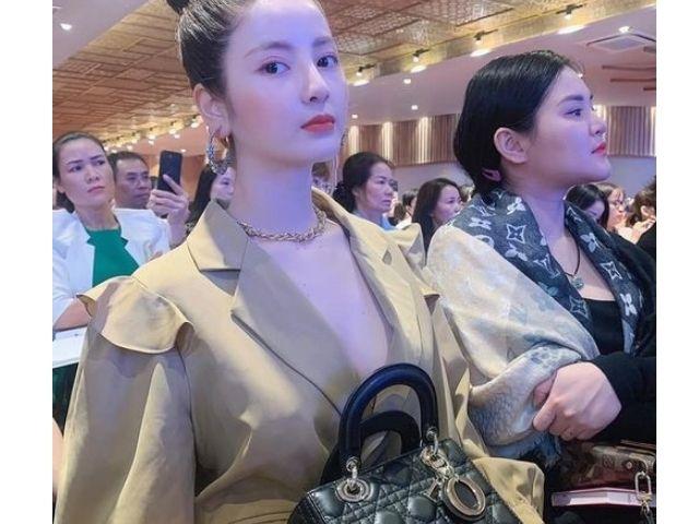 bạn gái mới sang chảnh của Quang Hải