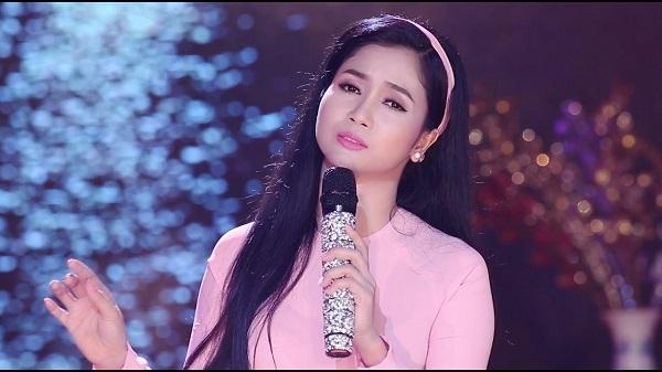 Ca sĩ Phương Anh