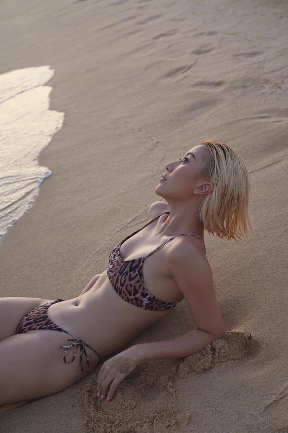 Ảnh nóng trên bãi biển