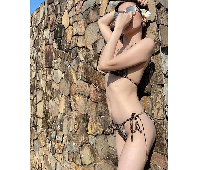 Lệ Quyên bikini