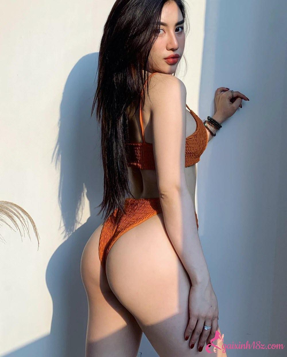 Trang phục áo tắm bikini gợi tình