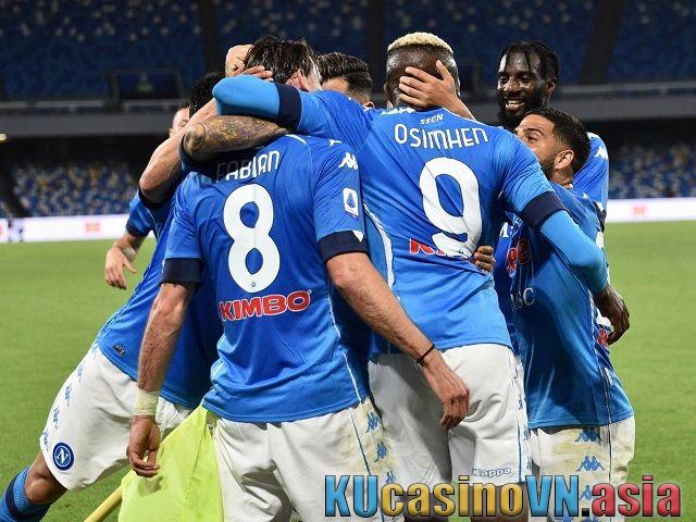 Phân tích trận bóng Fiorentina vs Napoli