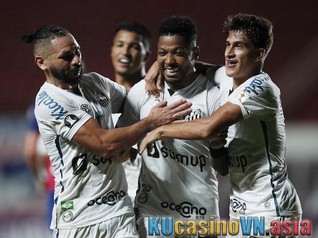Phân tích trận bóng Santos vs The Strongest