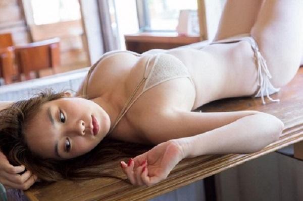 Top 10 diễn viên trưởng thành sexy số 1 Miwako Kakei