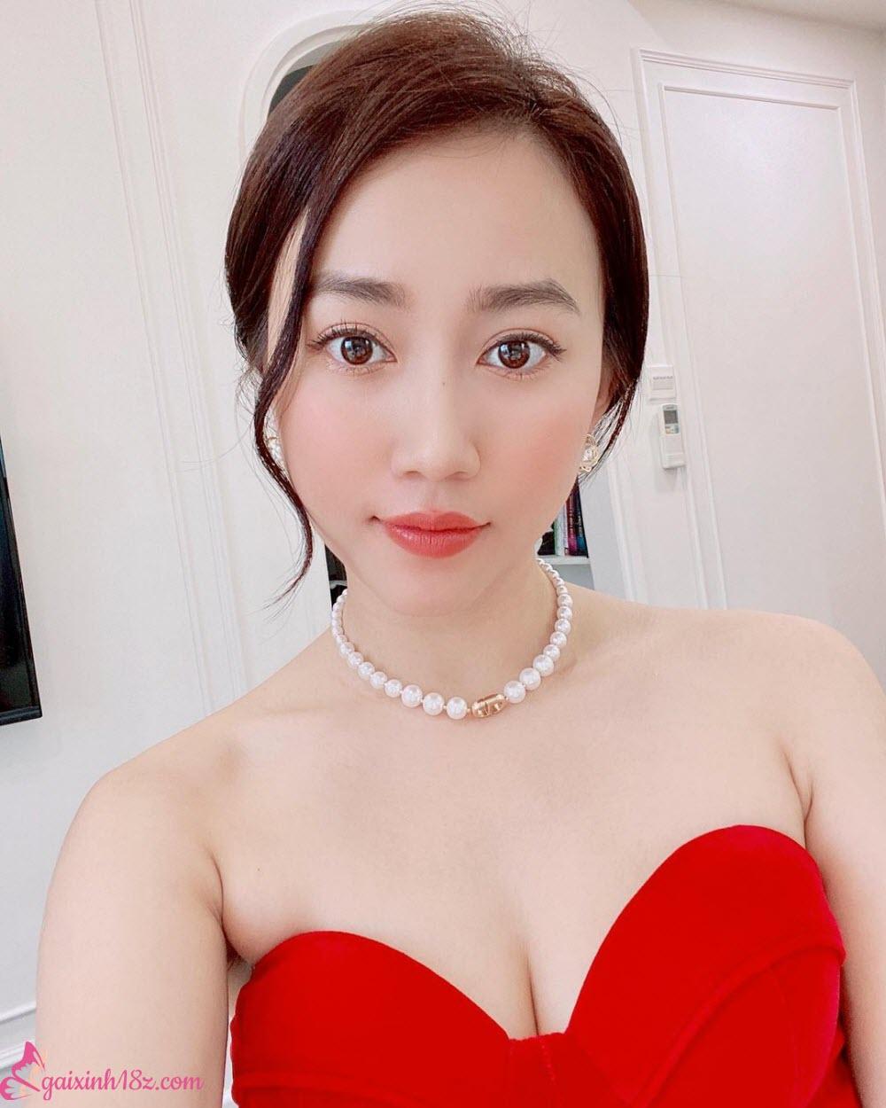 Áo đỏ huỳnh hồng loan