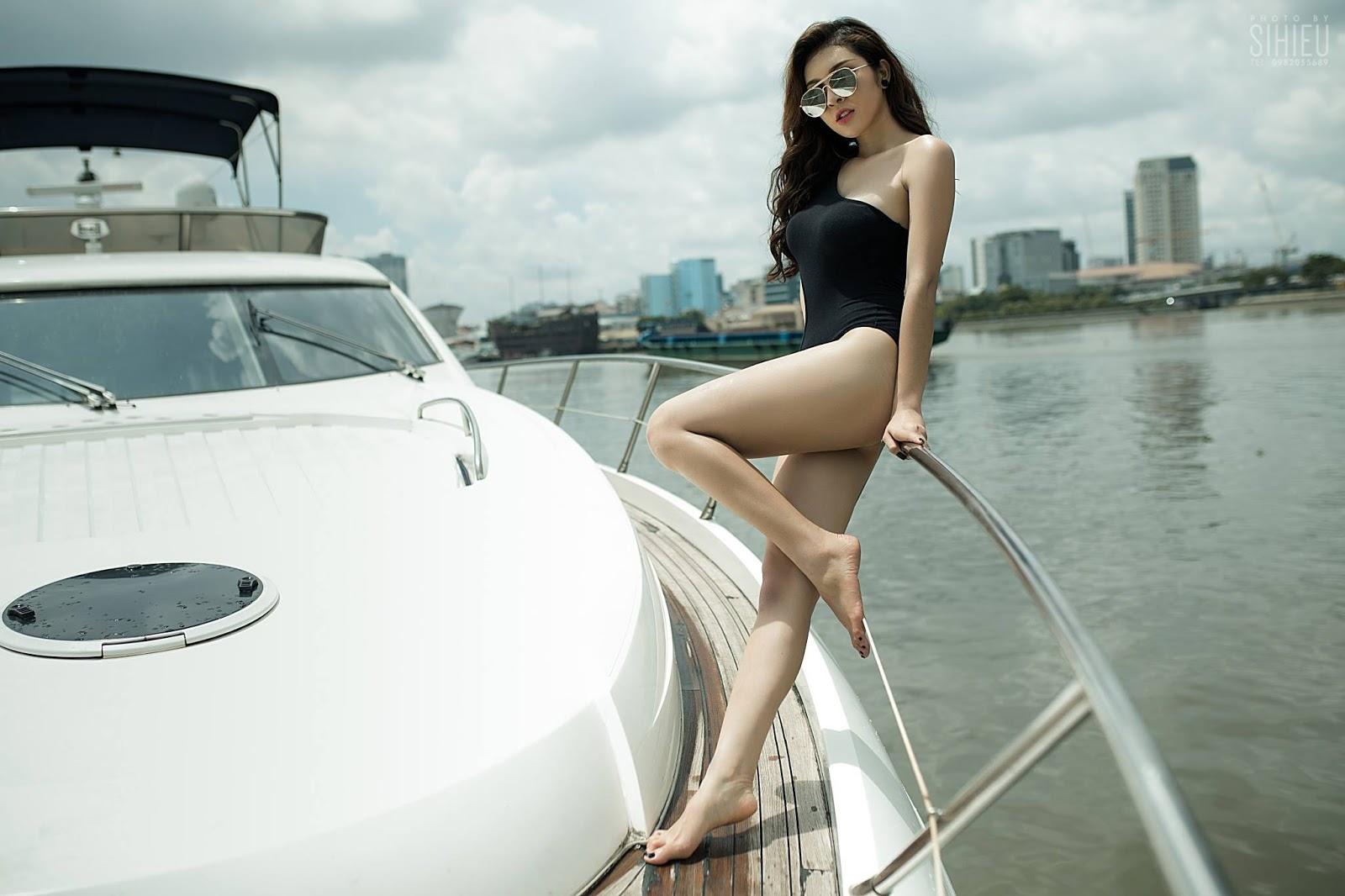 Hot girl du thuyền Thiên Hương 2