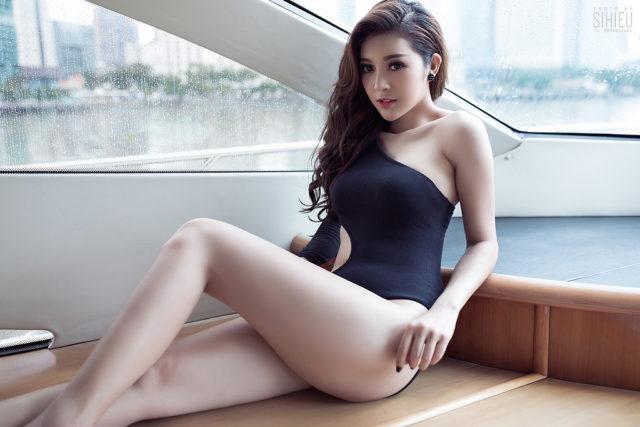 Hot girl du thuyền Thiên Hương 5