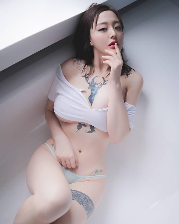 Gái xinh ngực bự 8