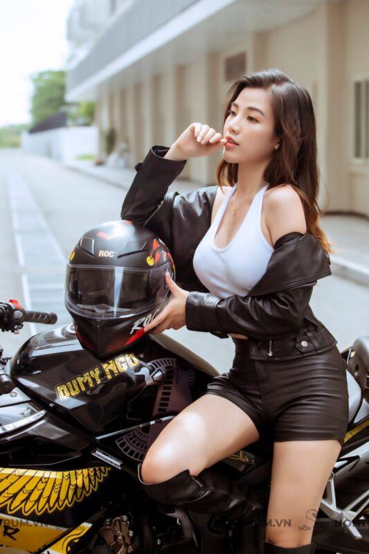 Hot girl Biker Sài Thành
