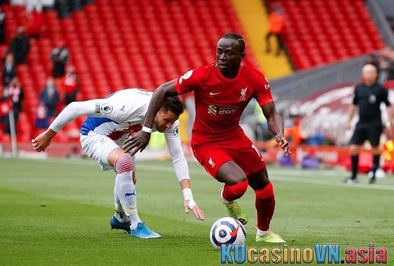 cầu thủ Benteke gặp lại đội bóng cũ Liverpool